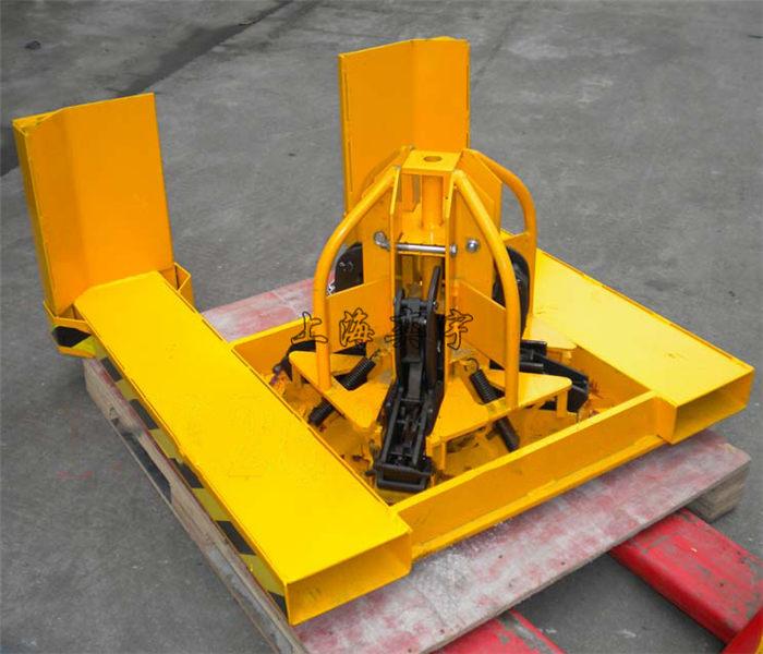 油桶起吊夹  叉车专用四桶吊夹的主要用途:yiy-yl4
